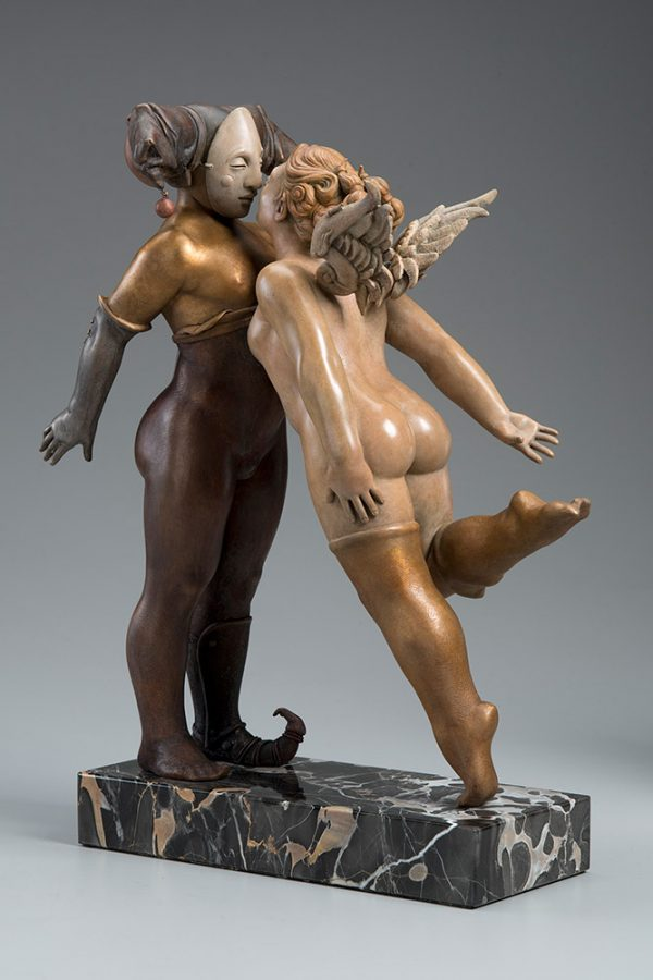 A sculpture of Michael Parkes called Kissing